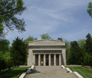 Lincoln Birthplace Monument May 2008